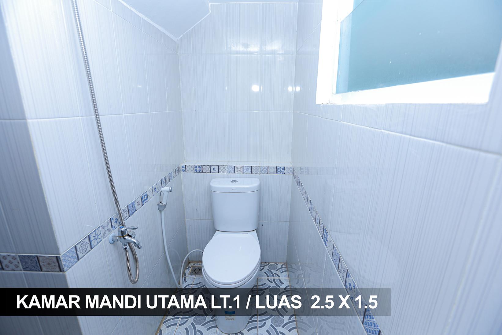 KAMAR MANDI UTAMA LT.1